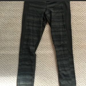 Army green Lululemon crops, size 6